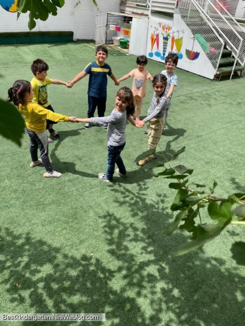 سازگاری اجتماعی و عاطفی کودک در مهد کودک صادقیه