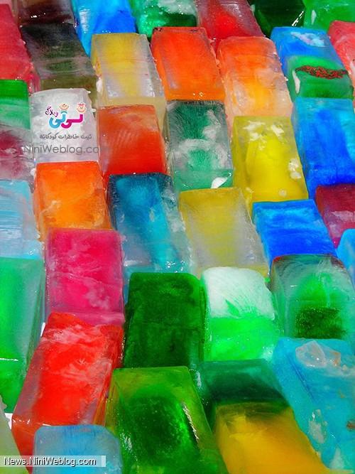 یخ بازی با یخ رنگی