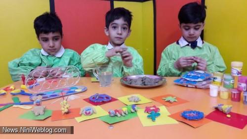 کودکان با استفاده از اسباب بازی هایشان چیز های جدیدی کشف می کنند