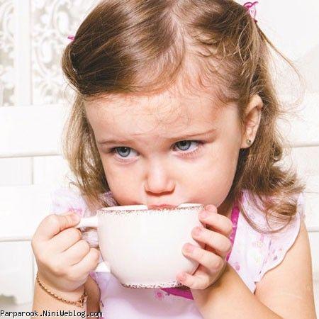 کودکان، چای بخورند یا نخورند؟!