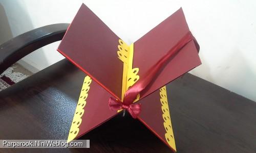 نمونه ی رحل با کارتن و مقوای رنگی